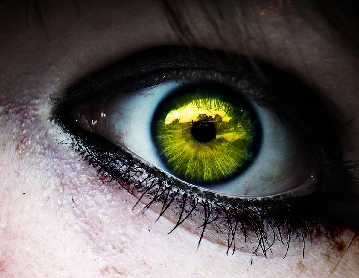 Her normalden sapma hastalık olmak zorunda değildir. Örneğin sarı göz rengi popülasyonumuzda hiç gözükmez; ancak bir bireyin sapsarı bir göz rengiyle doğması, illa bir hastalığa işaret etmek zorunda değildir. Fakat hastalık olabilir de; sonucu bilimsel analiz gösterecektir.