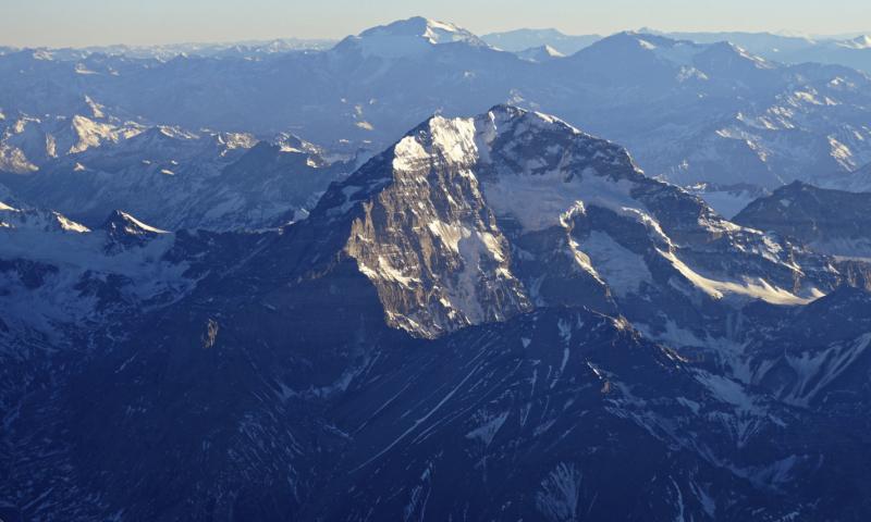 Düşünsel zirveler: And Dağları. Arabos Life, CC BY