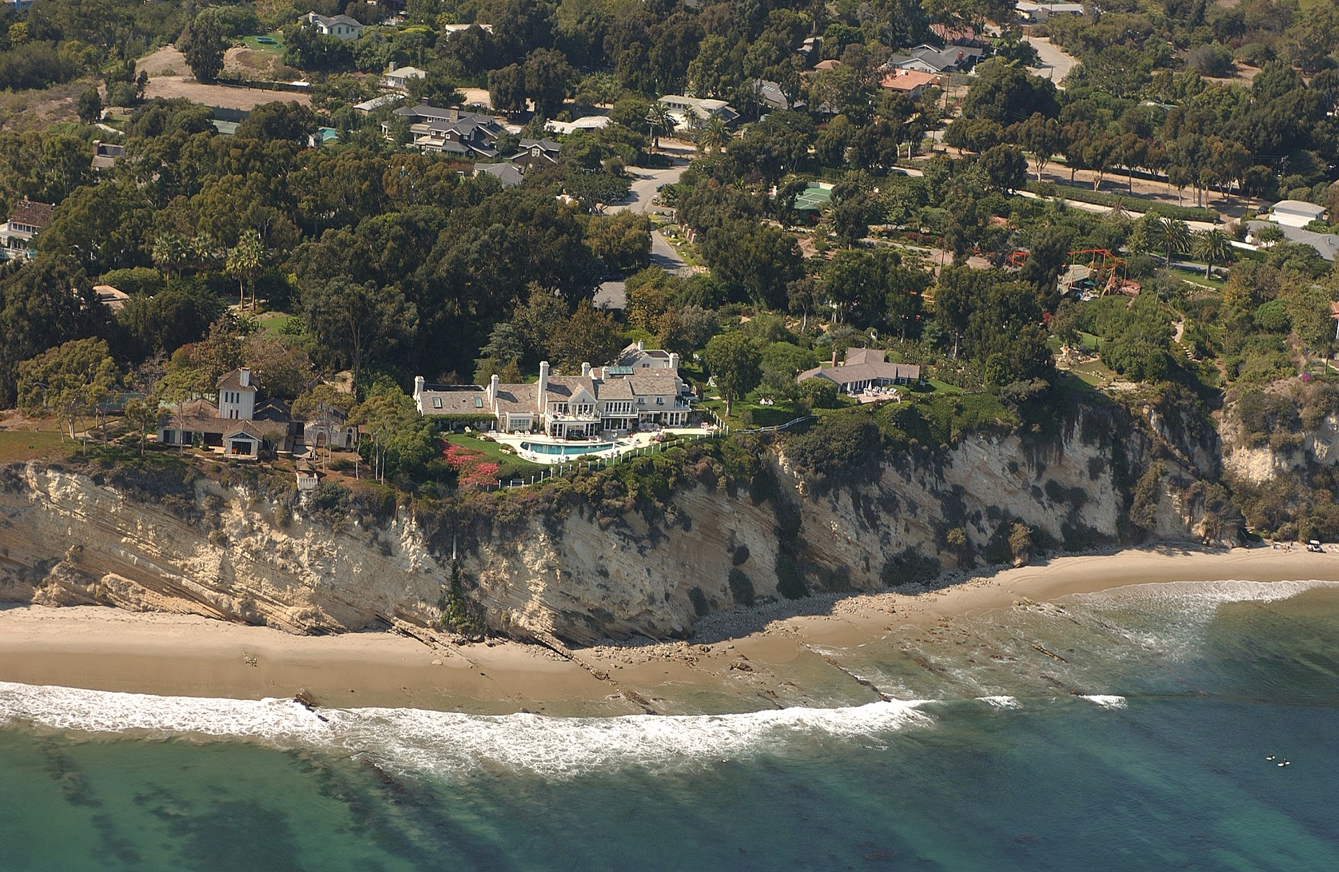 Streisand'ın sansürlemeye çalıştığı rezidans fotoğrafı...