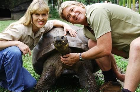 Steve Irwin ve Charles Darwin'in Kaplumbağası Harriet