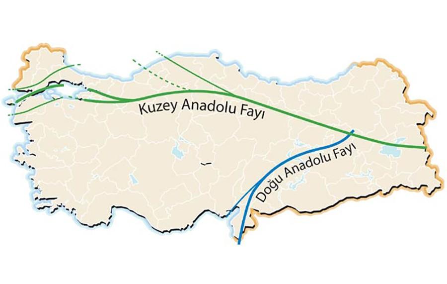Meşhur Kuzey Anadolu Fay Hattı ile Doğu Anadolu Fay Hattı... Bu harita üzerinden görmesi daha kolay; ancak bu pek teknik bir harita sayılmaz. Aşağıdaki görsel daha teknik olarak görmek için daha faydalı olacaktır.