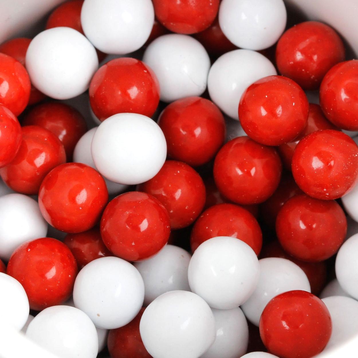 Eşit dağılmış kırmızı ve beyaz bilyeler...