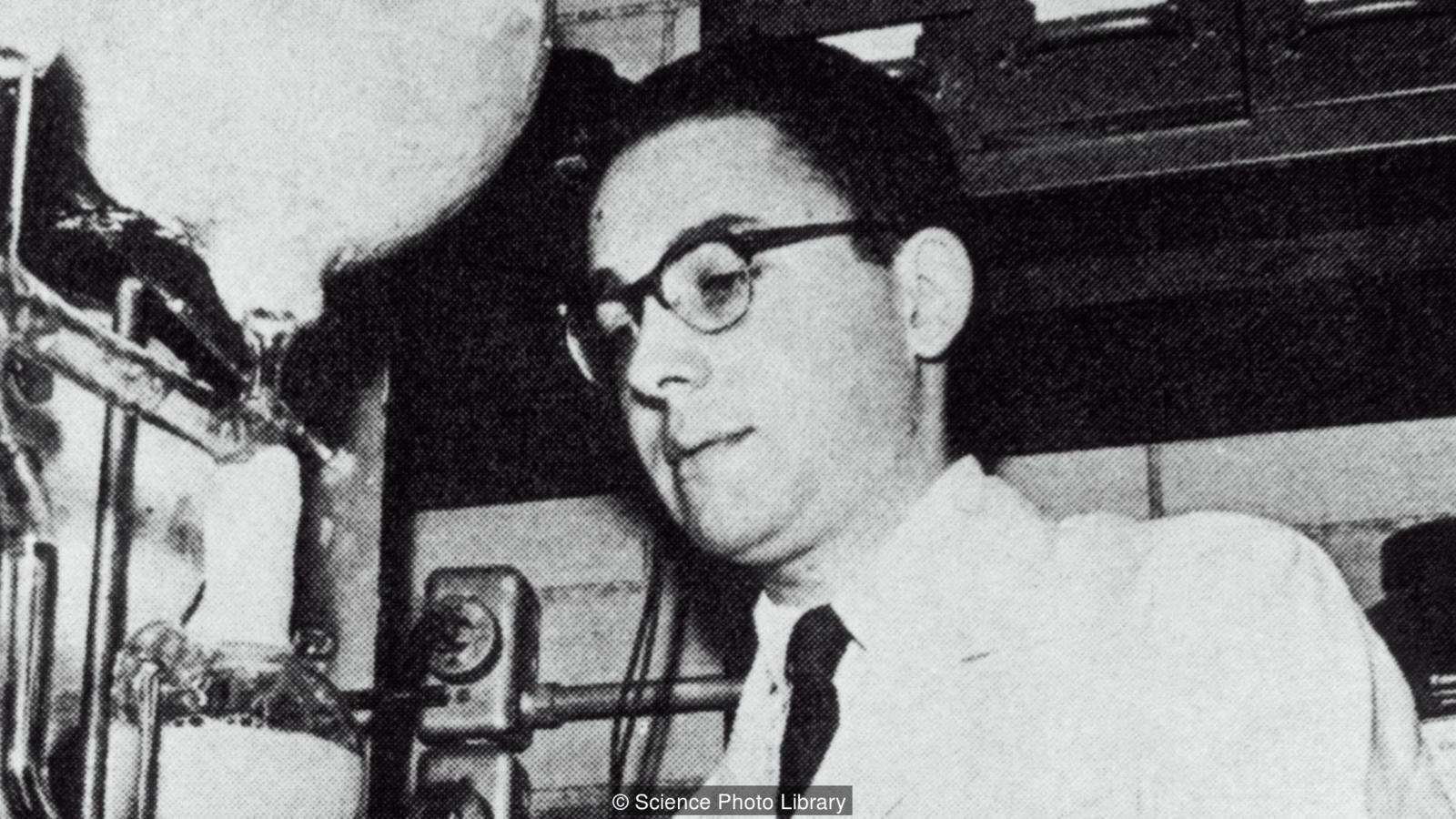 Stanley Miller laboratuvarında.