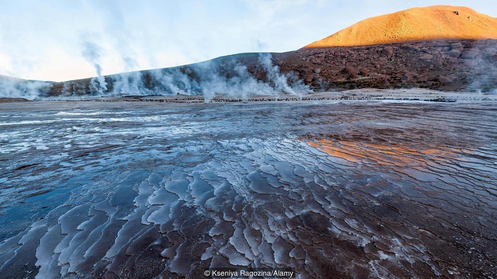 Volkanik su, sıcaktır ve kimyasallar bakımından zengindir.